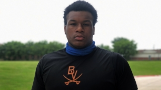 Arlington Bowie OL Devon Campbell in touch with Aggies, planning visits