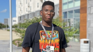 2023 A&M DE commit Anthony James enjoys BBQ/pool party in Aggieland